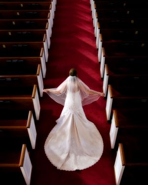 Bride-in-church-creative-photographt.jpg